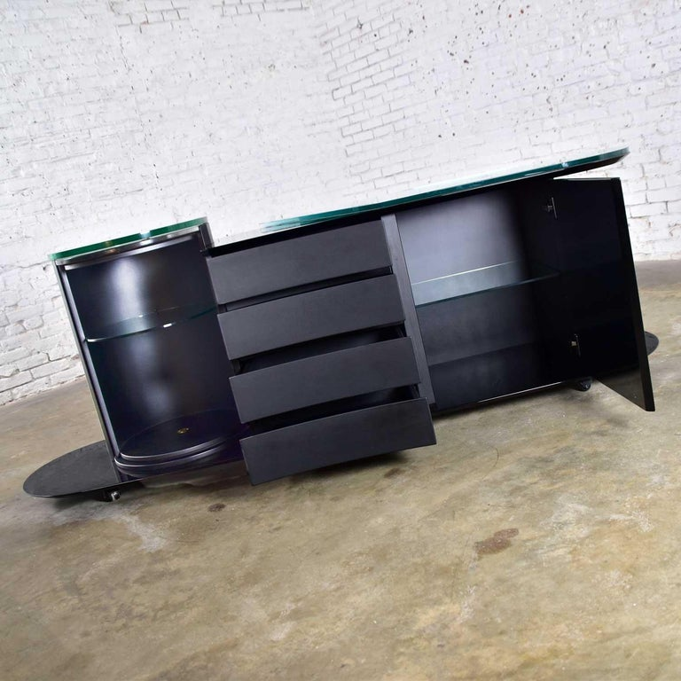 Italian Black Lacquered Buffet Credenza w/ Geometric Inlay by Pietro Costantini For Sale 7