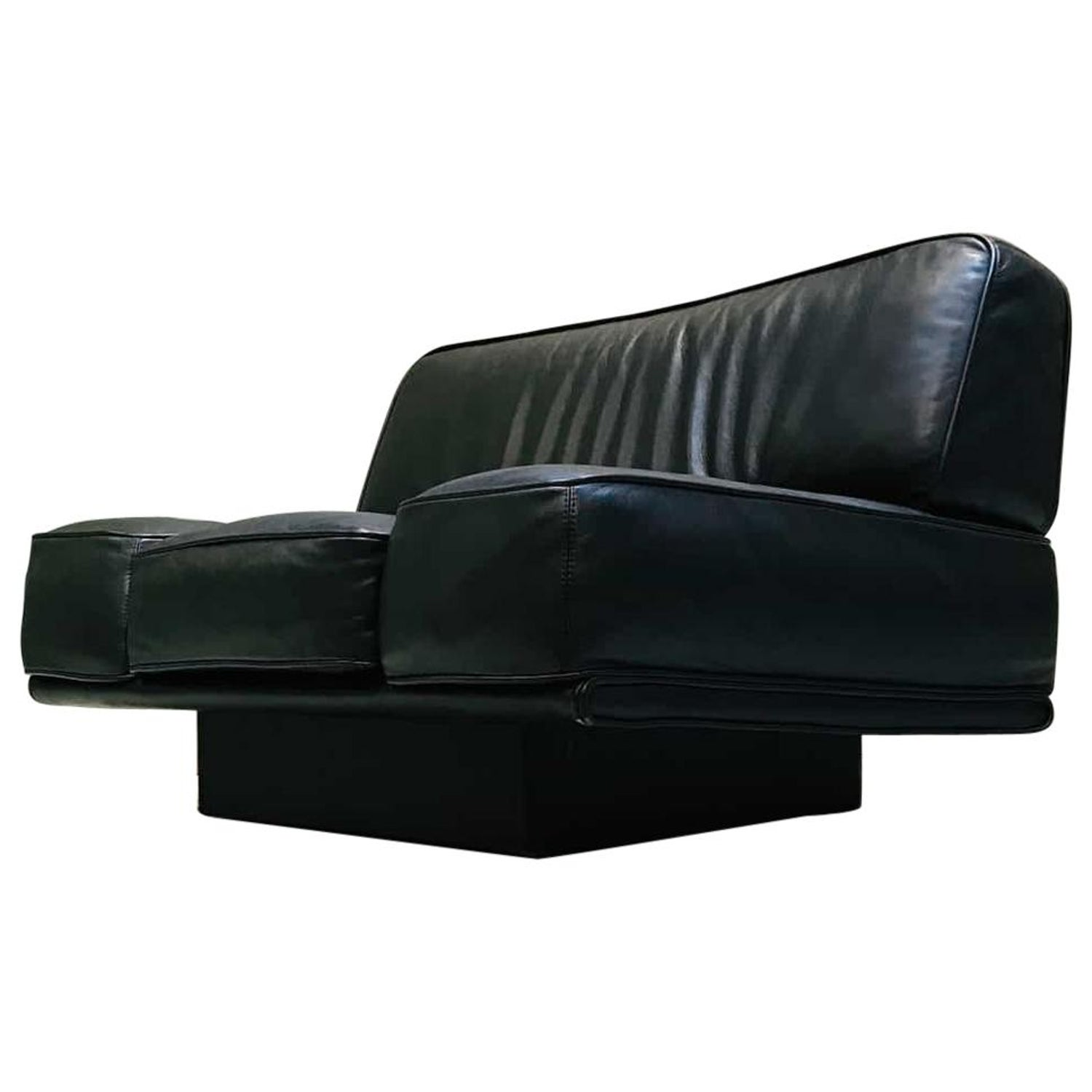 Admirable Italian Black Leather Lounge Chair By Arketipo Evergreenethics Interior Chair Design Evergreenethicsorg