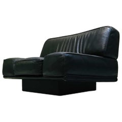 Italian Black Leather Lounge Chair by Arketipo