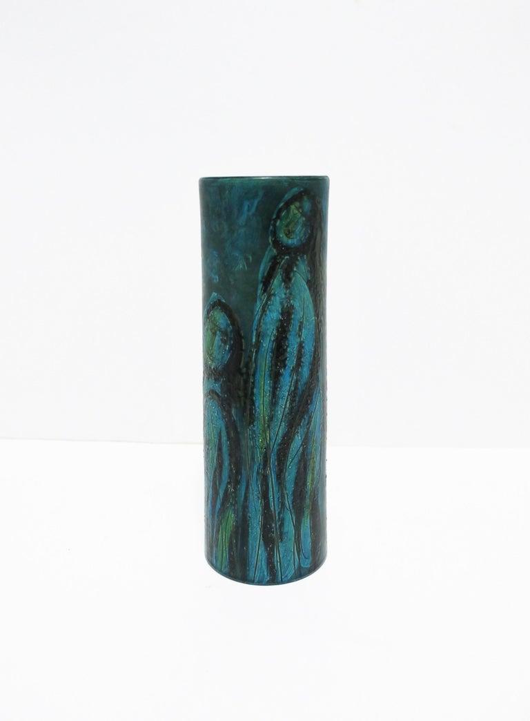 Italian Blue Pottery Vase with Figurative Design, circa 20th Century For Sale 1