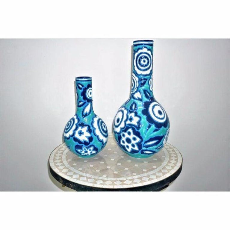 Italian Bold Blue and White Vases, a Pair In Good Condition For Sale In Plainview, NY