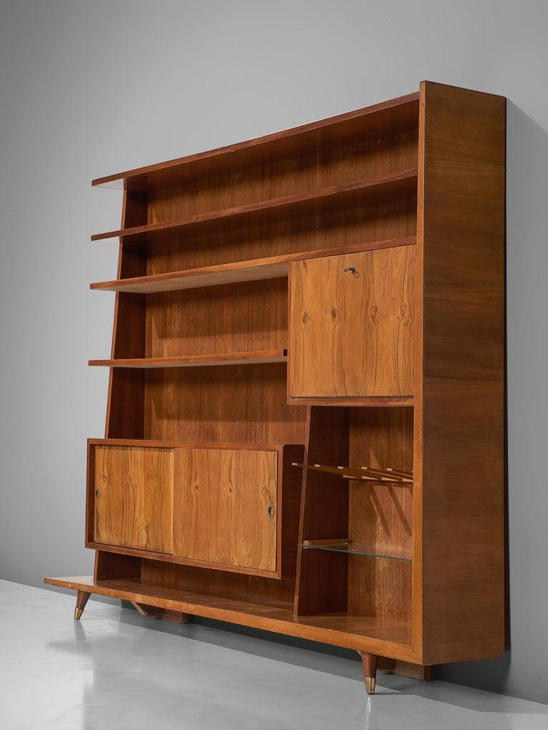 Mid-20th Century Italian Bookcase in Walnut and Oak For Sale
