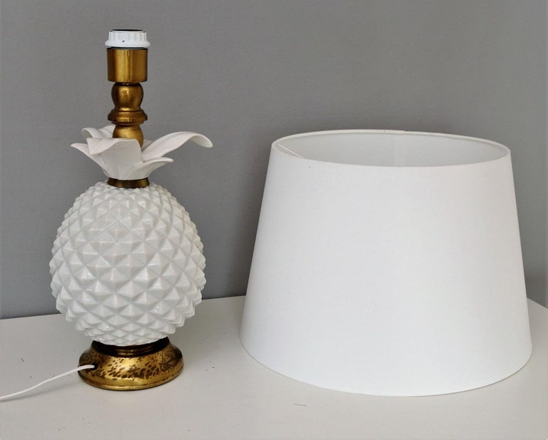 Italian Brass and Ceramic Pineapple Table Lamp, 1970s For Sale 7