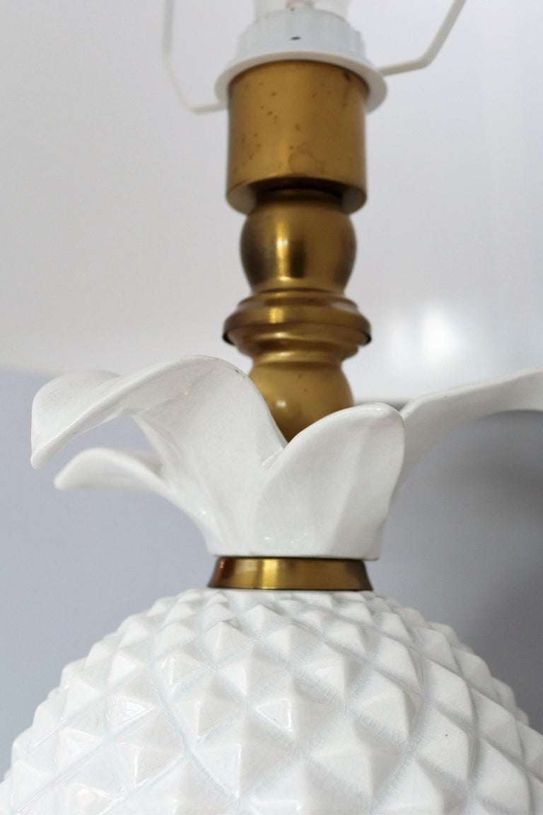 Late 20th Century Italian Brass and Ceramic Pineapple Table Lamp, 1970s For Sale