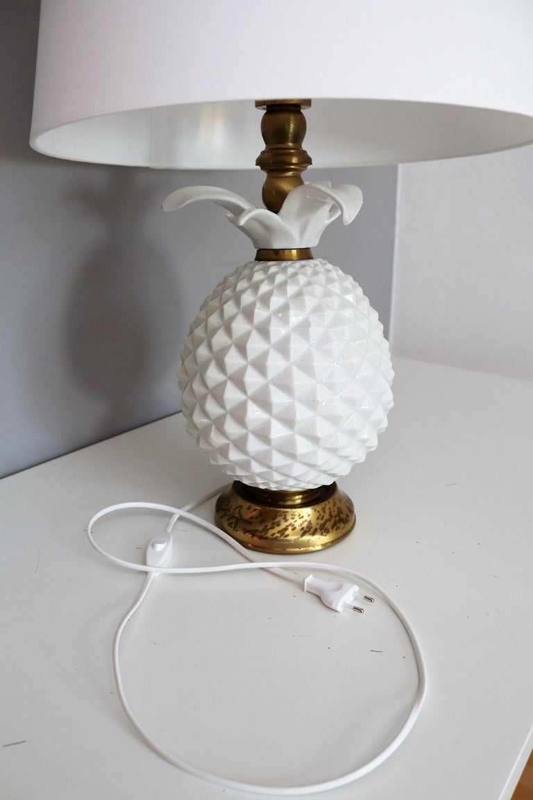 Italian Brass and Ceramic Pineapple Table Lamp, 1970s For Sale 1