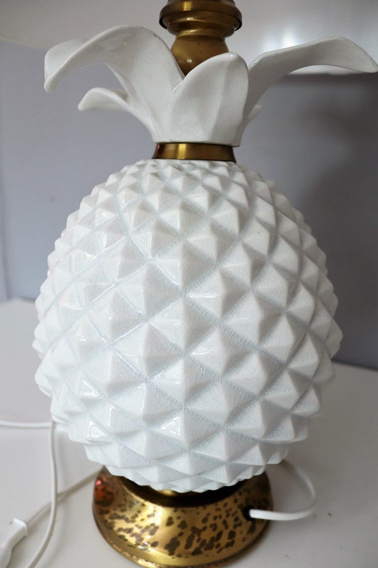 Italian Brass and Ceramic Pineapple Table Lamp, 1970s For Sale 3
