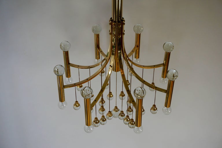 Italian Brass and Glass Chandelier by Sciolari In Good Condition For Sale In Antwerp, BE