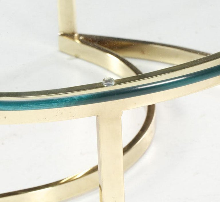 Italian Brass and Glass Yin Tang Coffee Table For Sale 1