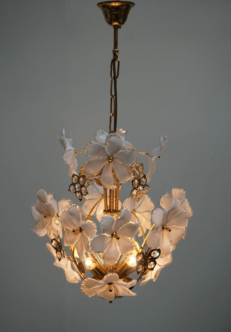 Italian Brass and Murano Glass Flower and Butterfly Chandelier In Good Condition For Sale In Antwerp, BE