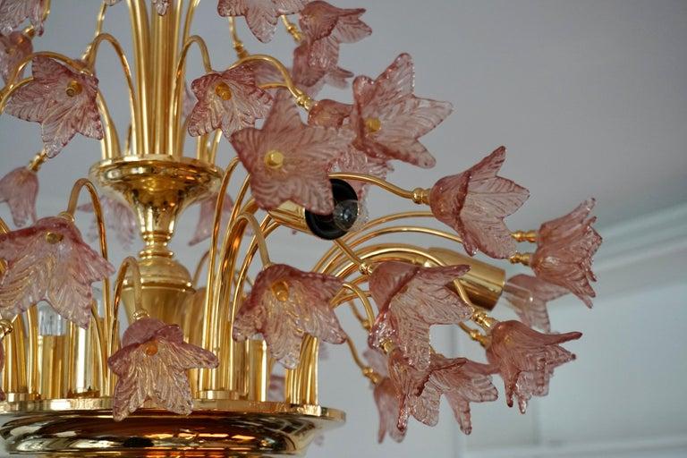 Italian Brass and Murano Glass Flower Chandelier For Sale 7