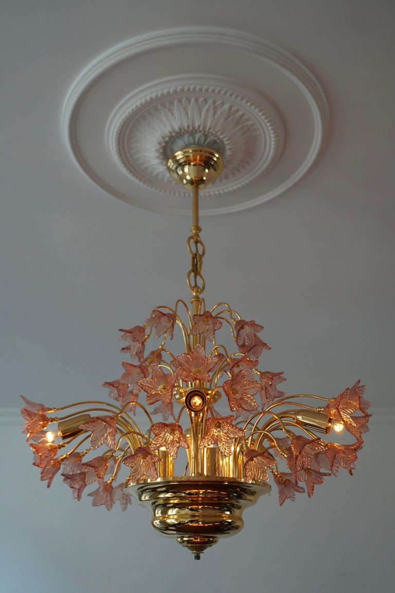 Italian Brass and Murano Glass Flower Chandelier In Good Condition For Sale In Antwerp, BE