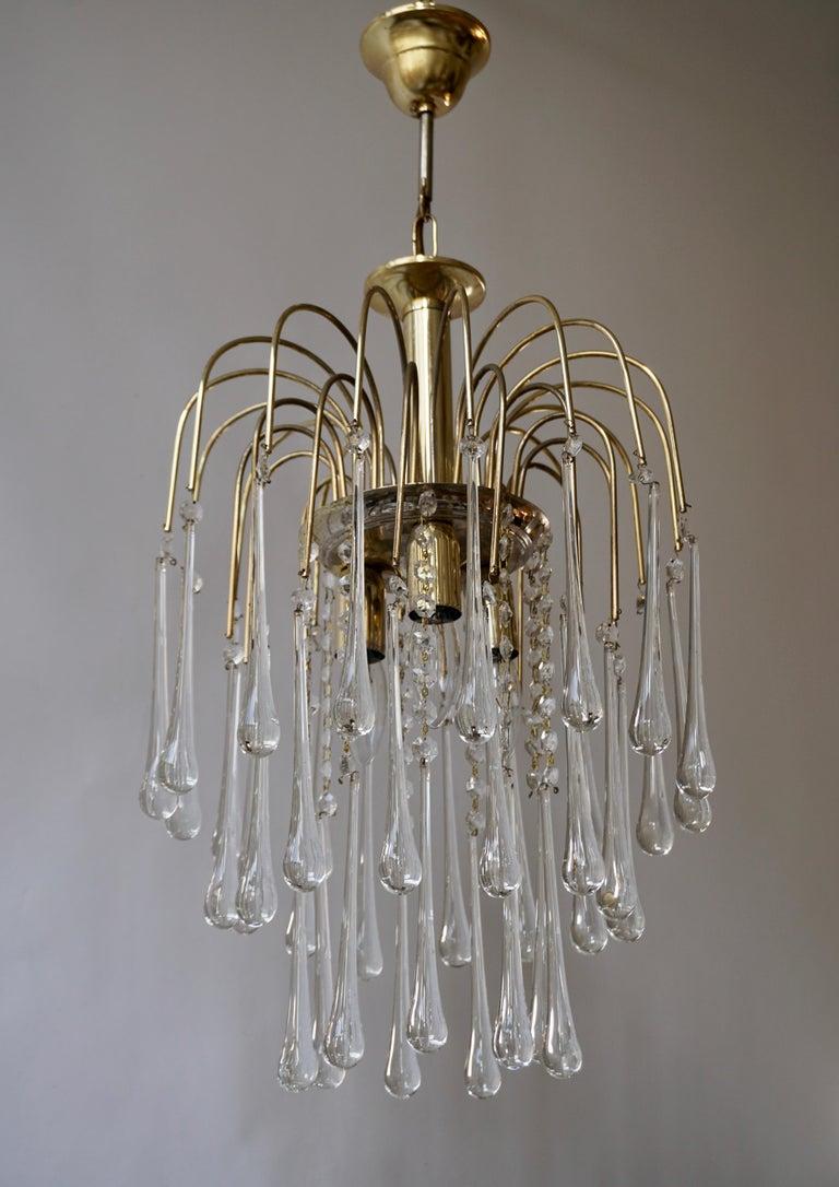Hollywood Regency Italian Brass and Murano Glass Teardrop Chandelier For Sale