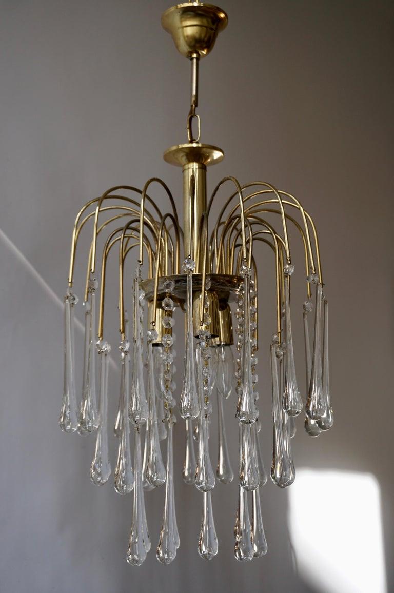Italian Brass and Murano Glass Teardrop Chandelier In Good Condition For Sale In Antwerp, BE