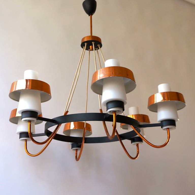 20th Century Italian Brass and Murano Opaline Glass Chandelier For Sale