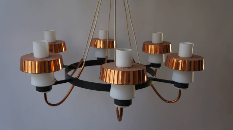 Italian Brass and Murano Opaline Glass Chandelier For Sale 1