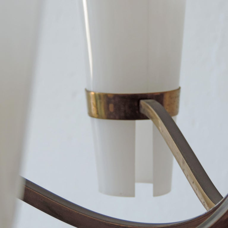 Italian Brass and Plexiglass 1950s Ceiling Lamp In Good Condition For Sale In Milan, IT