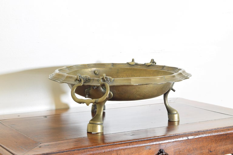 Early 18th Century Italian Brass Bracciere from Louis XIV Period, First Quarter of the 18th Century For Sale