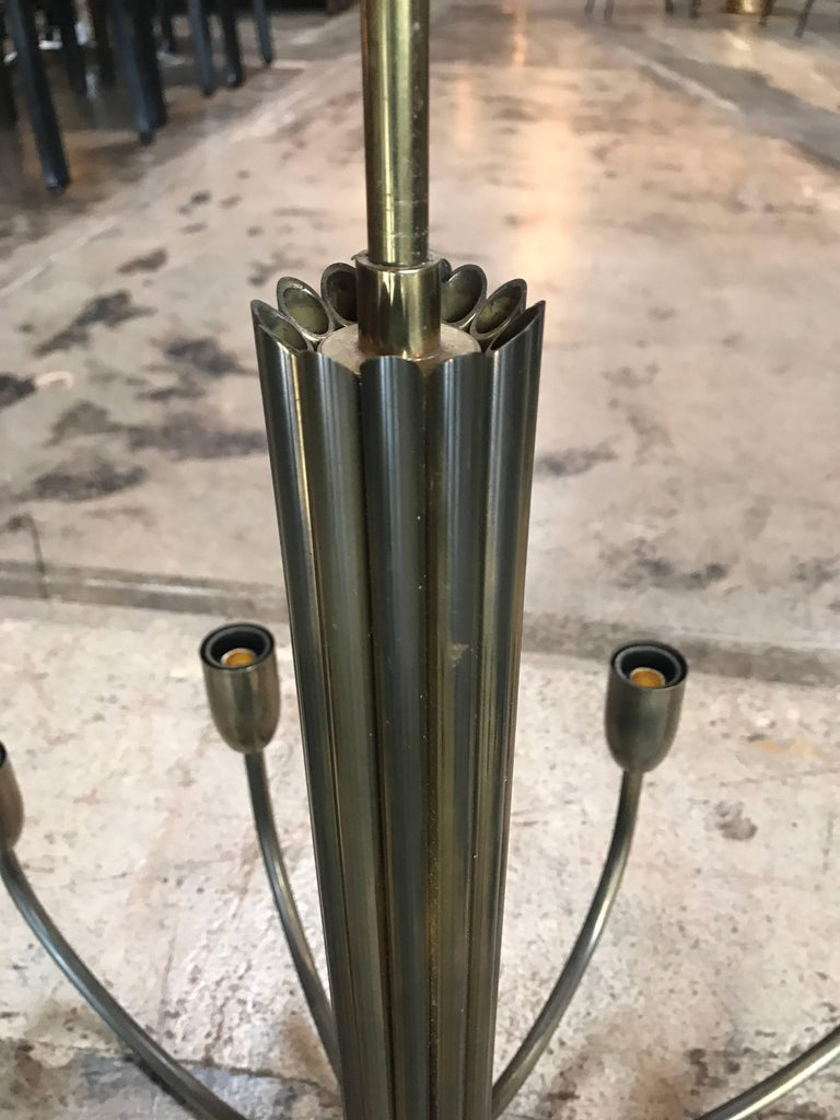 Mid-20th Century Italian Brass Chandelier with 12 Lights For Sale