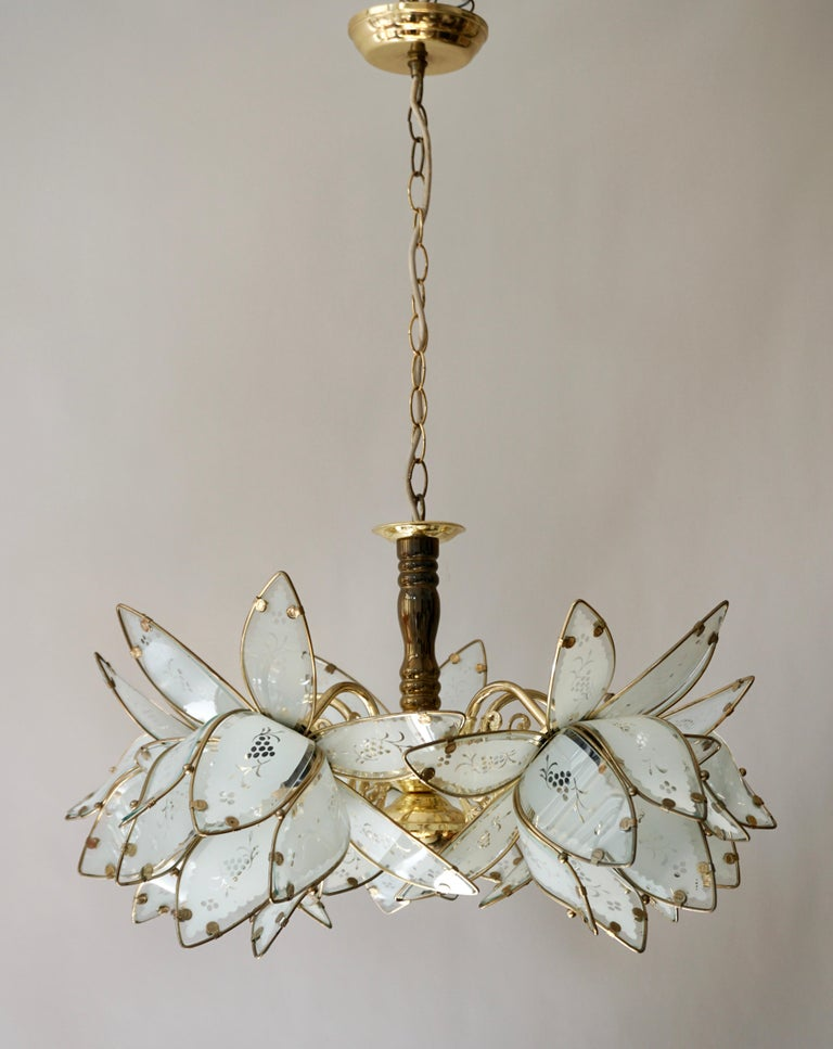 20th Century Italian Brass Chandelier with Murano Glass Flowers For Sale