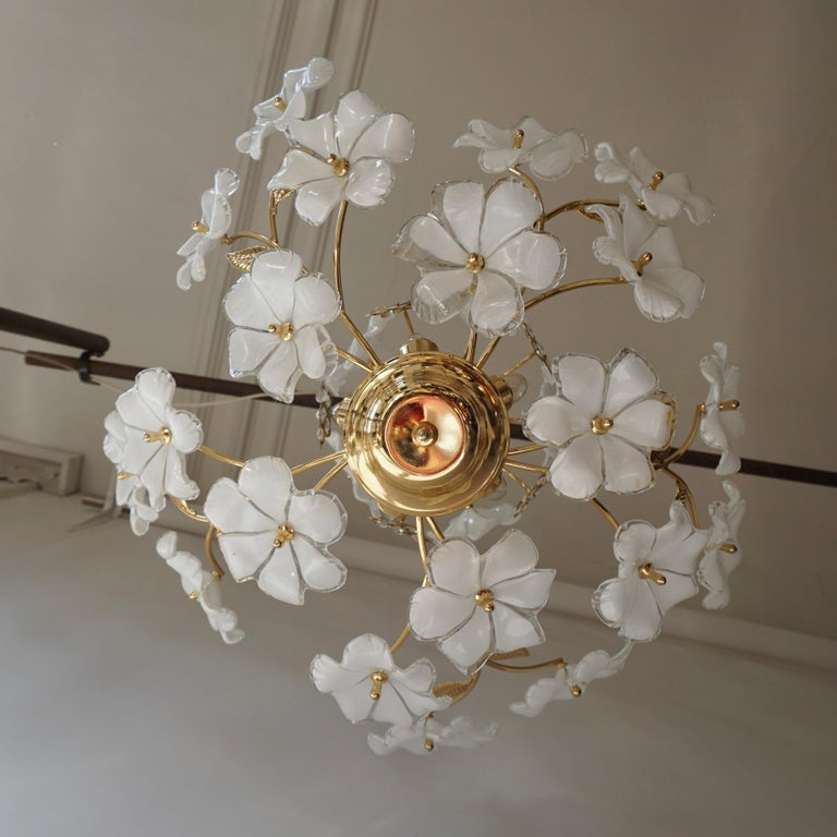 Mid-Century Modern Italian Brass Chandelier with White Murano Glass and Crystal Flowers For Sale