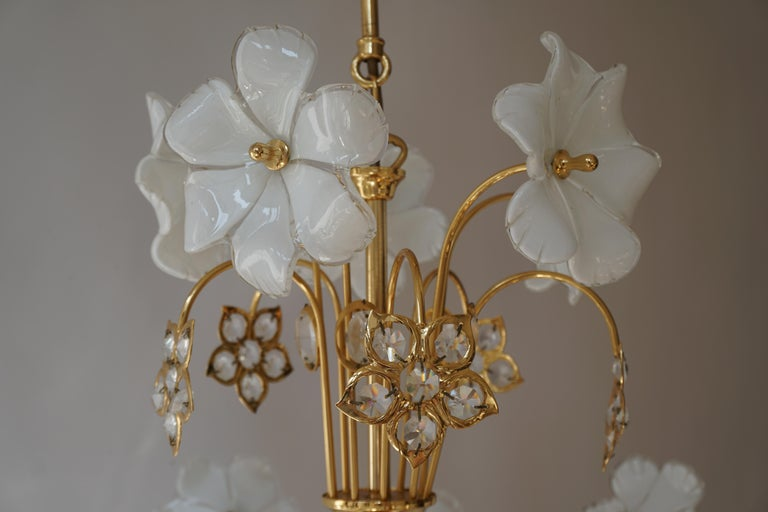 Italian Brass Chandelier with White Murano Glass and Crystal Flowers For Sale 2