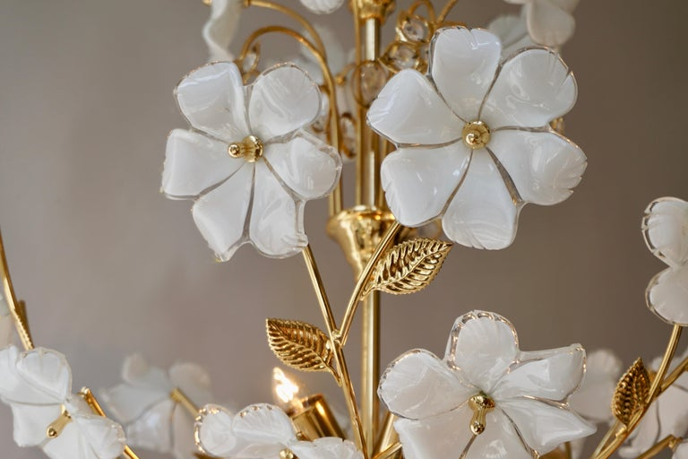 Italian Brass Chandelier with White Murano Glass and Crystal Flowers For Sale 3