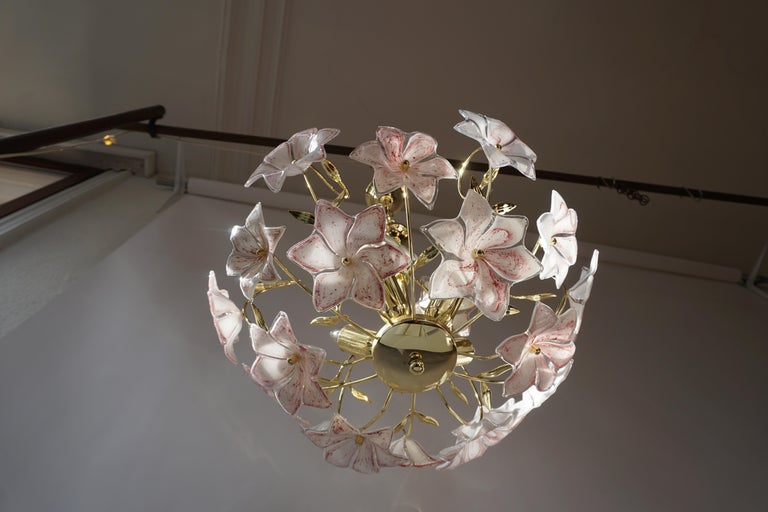 Italian Brass Chandelier with White Pink Colored Murano Glass Flowers For Sale 8