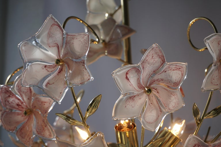 Italian Brass Chandelier with White Pink Colored Murano Glass Flowers For Sale 11