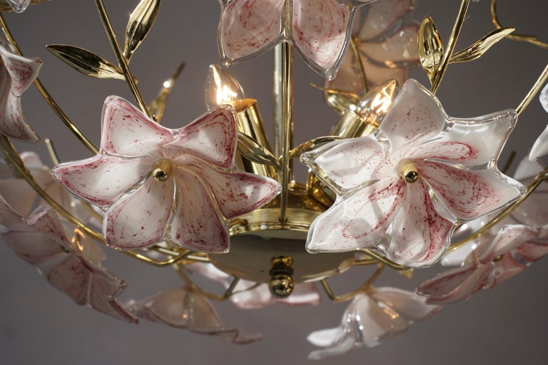 Italian Brass Chandelier with White Pink Colored Murano Glass Flowers For Sale 4