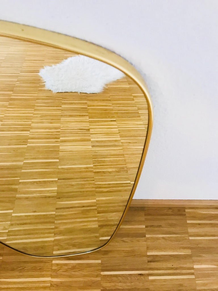 Italian Brass Framed Asymmetrical Wall Mirror, 1960s, Italy In Excellent Condition For Sale In Mainz, Rhineland-Palatinate