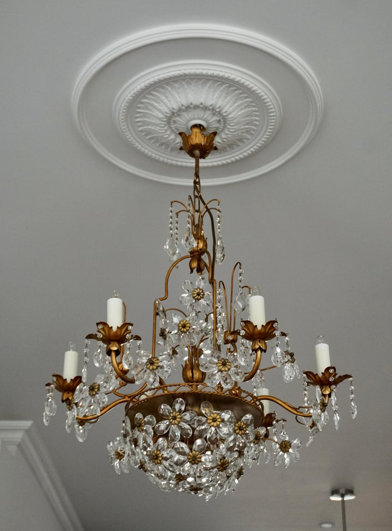 Italian Brass Gilt Chandelier with Glass Flowers In Good Condition For Sale In Antwerp, BE