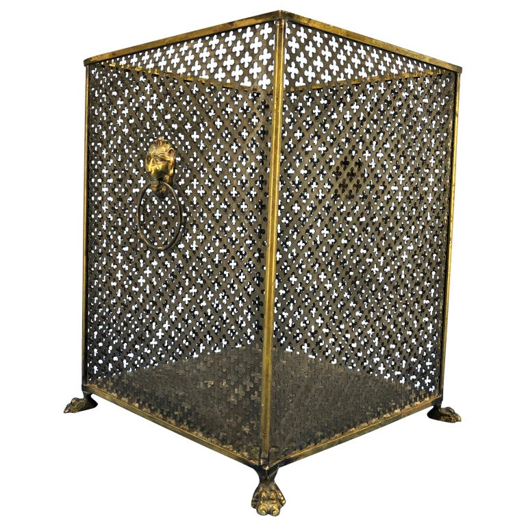 Midcentury vintage Italian brass lionhead decorated paper waste basket Signed Made in Italy, TN/12.