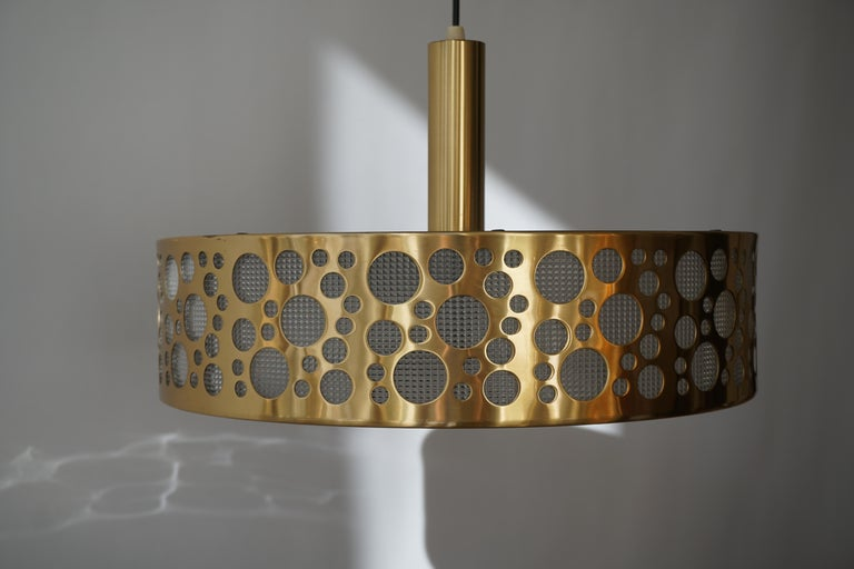 20th Century Italian Brass Pendant Light For Sale