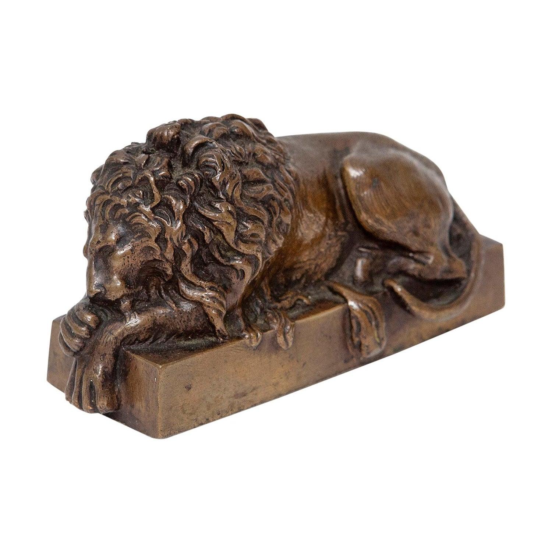 Italian Bronze Model Sleeping Lion 19th Century after Antonio Canova Grand Tour