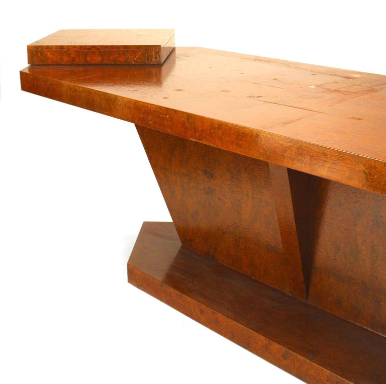 Italian Burl Birch Conference Table, circa 1940 In Good Condition For Sale In New York, NY
