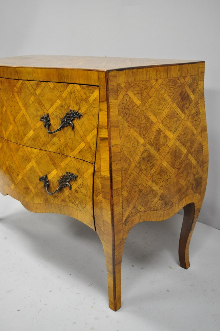Italian Burl Olive Wood Parquetry Inlaid French Style Bombe Commode Chest For Sale 5