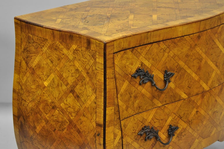 Italian Burl Olive Wood Parquetry Inlaid French Style Bombe Commode Chest For Sale 1