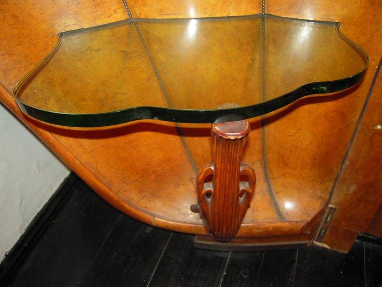 Italian Burled Walnut Art Deco Headboard with Shell Shaped Nightstands, 1920s For Sale 2