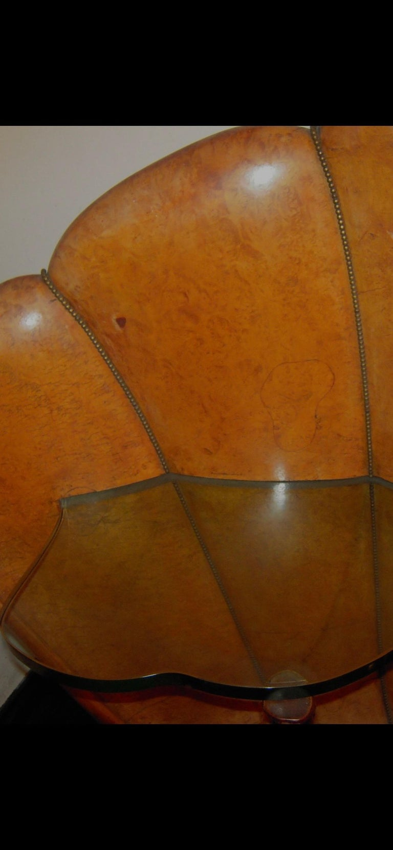 Italian Burled Walnut Art Deco Headboard with Shell Shaped Nightstands, 1920s For Sale 3