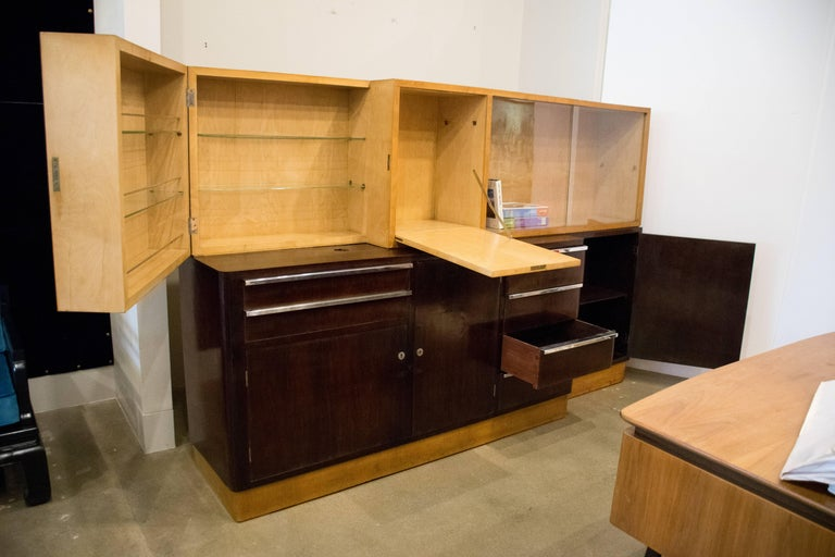 Italian Art Deco Cabinet of Birch and Rosewood, 1930-1940 For Sale 2