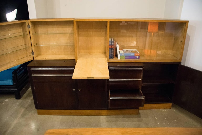 Italian Art Deco Cabinet of Birch and Rosewood, 1930-1940 For Sale 3