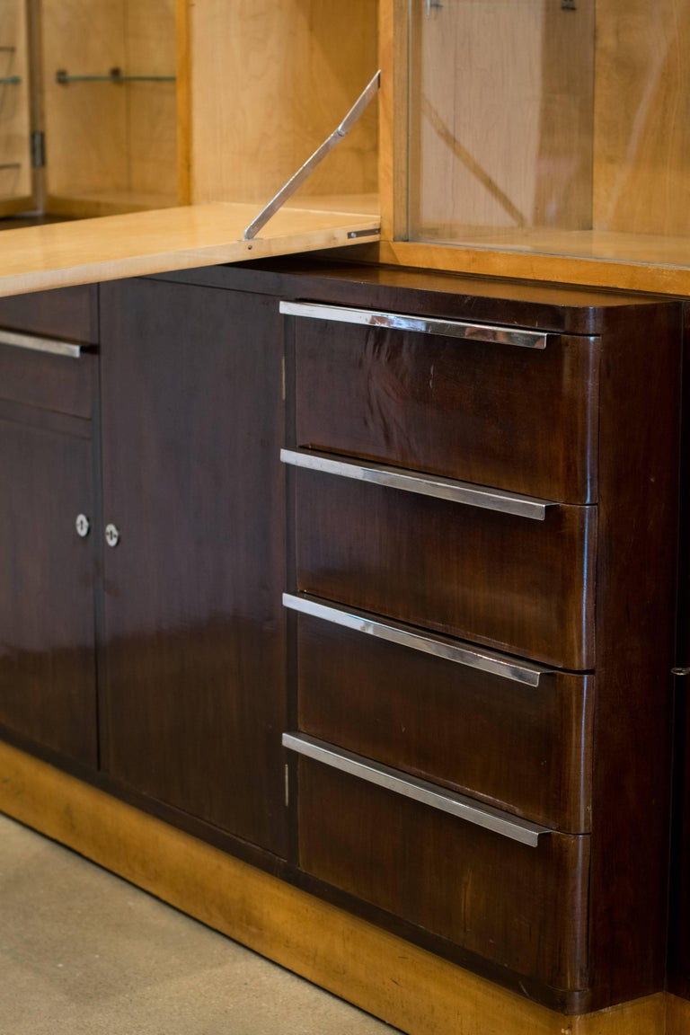 Italian Art Deco Cabinet of Birch and Rosewood, 1930-1940 For Sale 6
