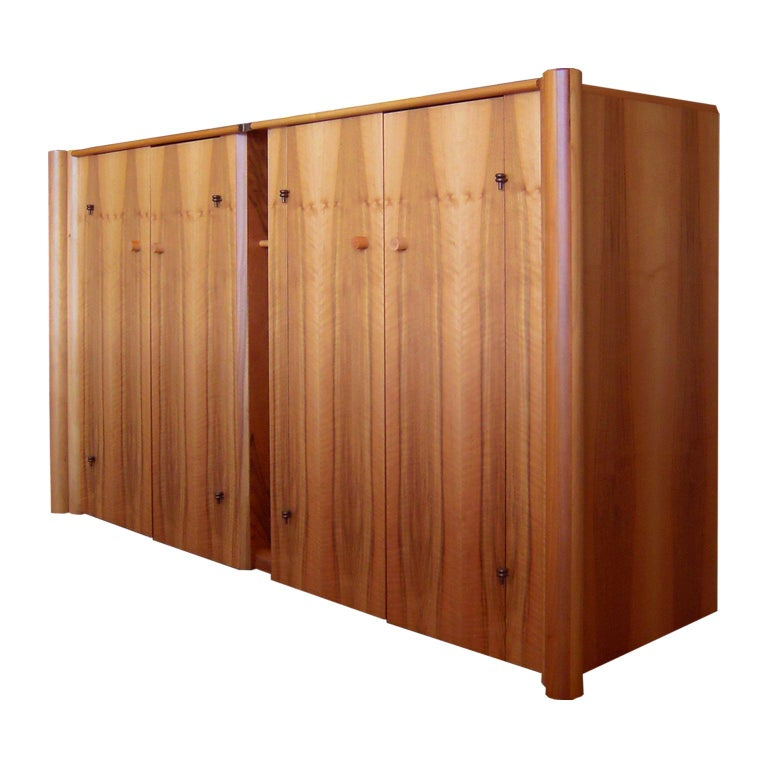 Italian Carlo Scarpa Boxwood Sideboard with 4 Doors and Inner Chest of Drawers For Sale