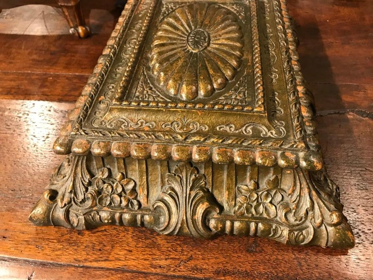 Italian Carved and Giltwood Box For Sale 6