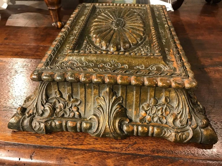 Italian Carved and Giltwood Box For Sale 8