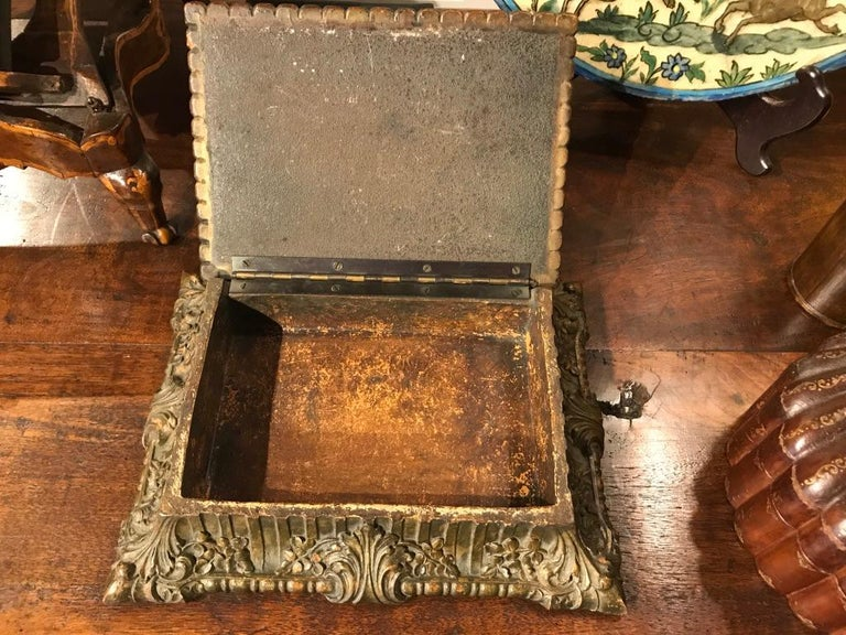 Italian Carved and Giltwood Box For Sale 10