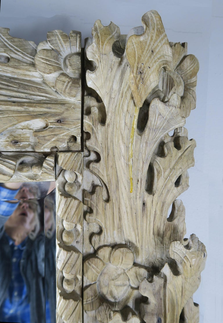 20th Century Italian Carved Bleached Walnut Acanthus Leaf and Shell Mirror For Sale