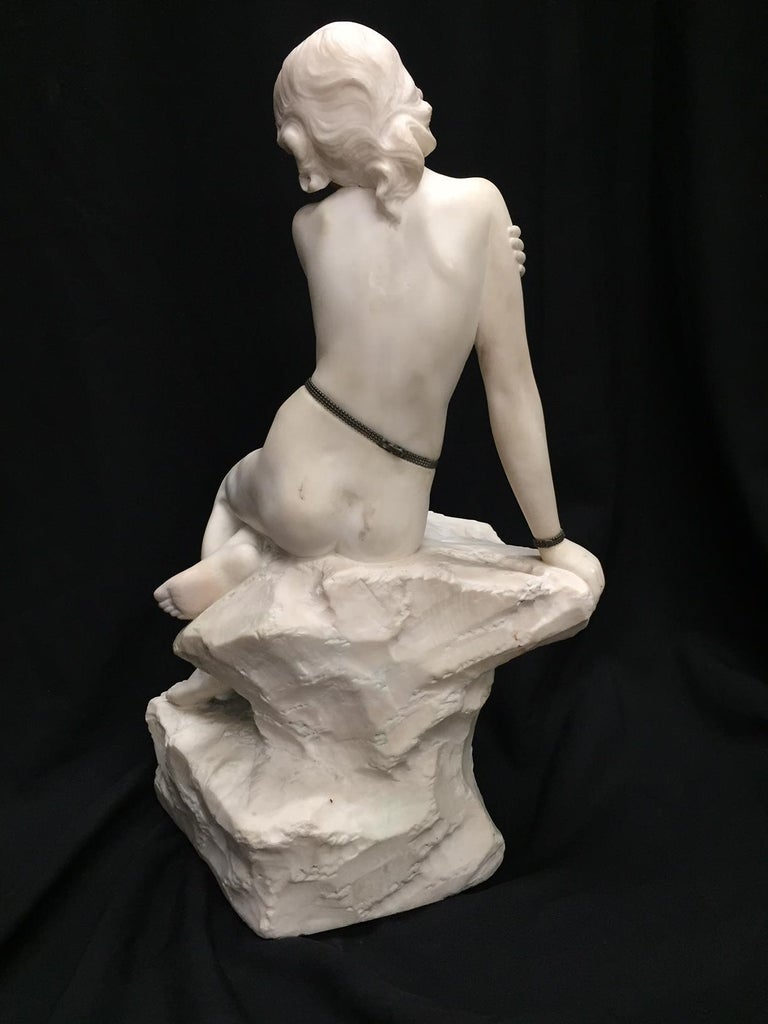 Italian Carved Marble Jeweled Nude Woman, 19th Century For Sale 4