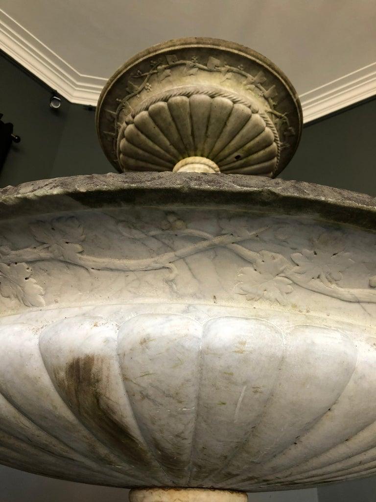 Italian Carved White Carrara Marble Fountain, 19th Century For Sale 1