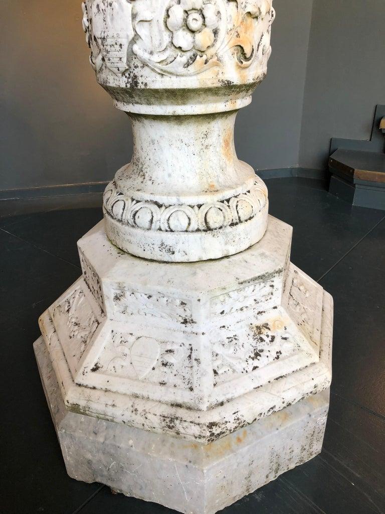 Italian Carved White Carrara Marble Fountain, 19th Century For Sale 3
